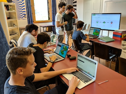 coding classes at the Brillantmont International School 09